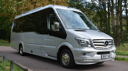 Benefits of Minibus Hire With the Driver