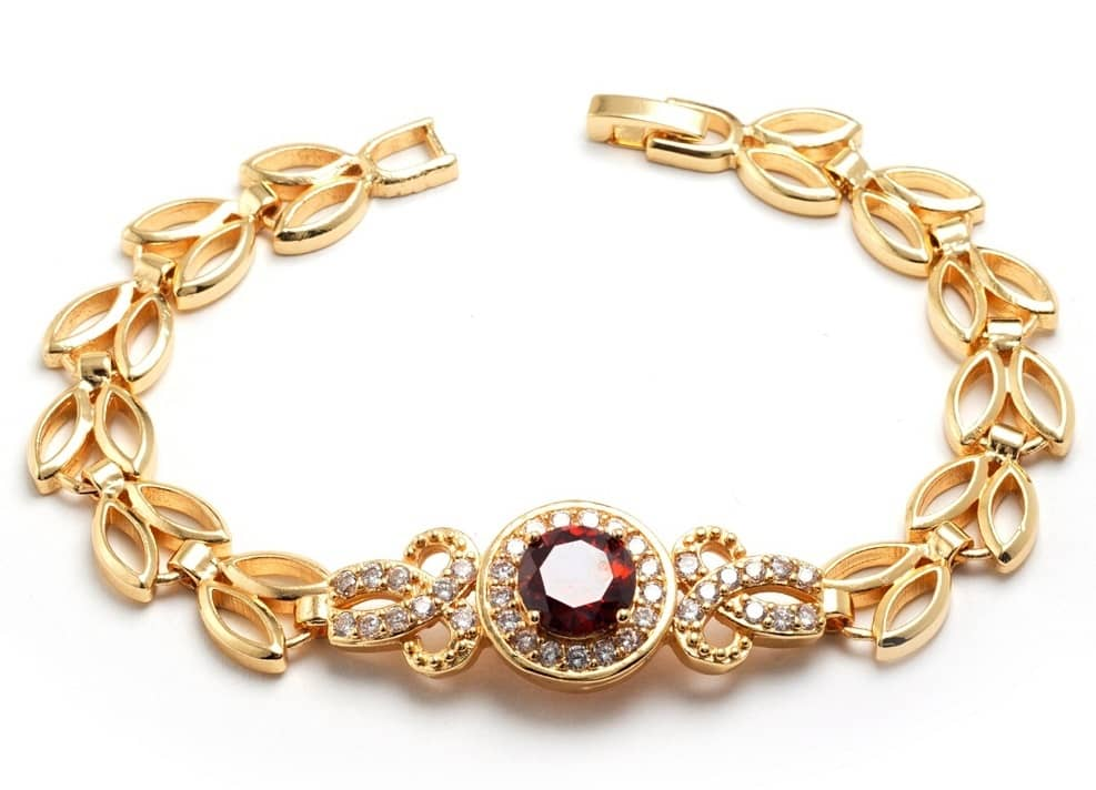 Who is capable of using Gold Bracelets 9 carat