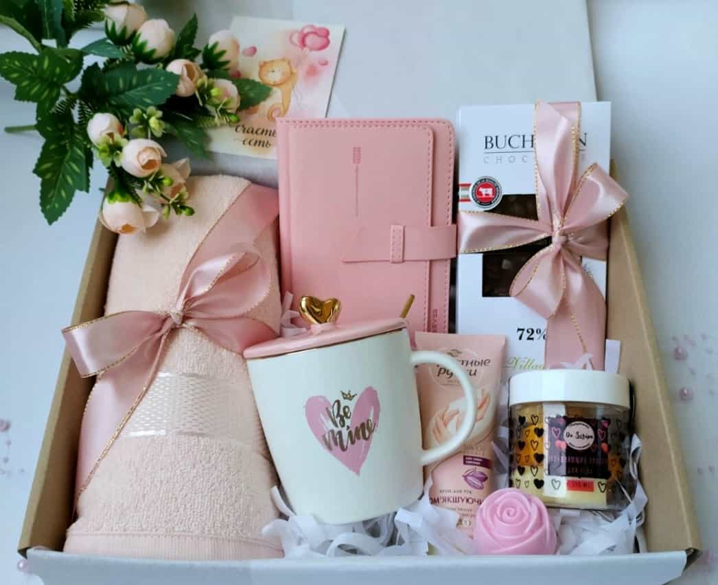 Fantastic Engagement Gifts Ideas to Amuse A Newly Wedded Couple
