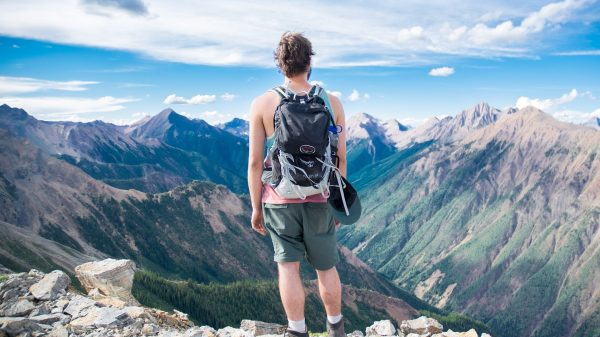 5 Important Things To Keep In Your Bag On Short Tours and Hiking