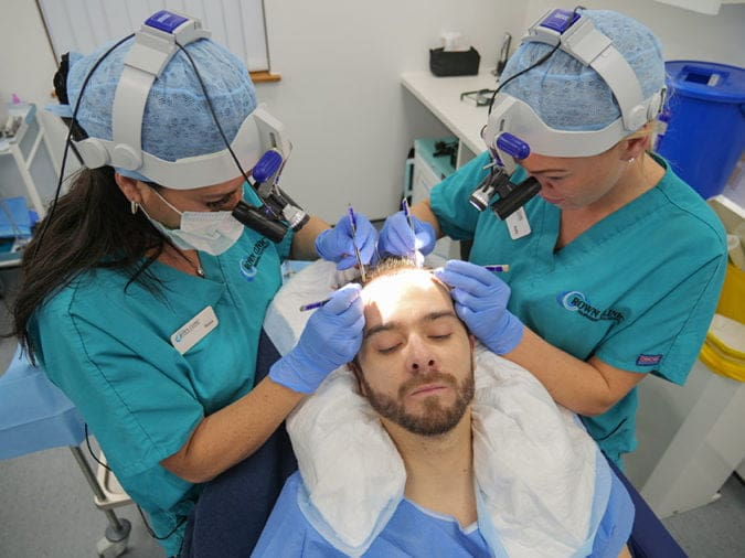 Receive Professional Hair Restoration Treatment From The Expert Surgeon