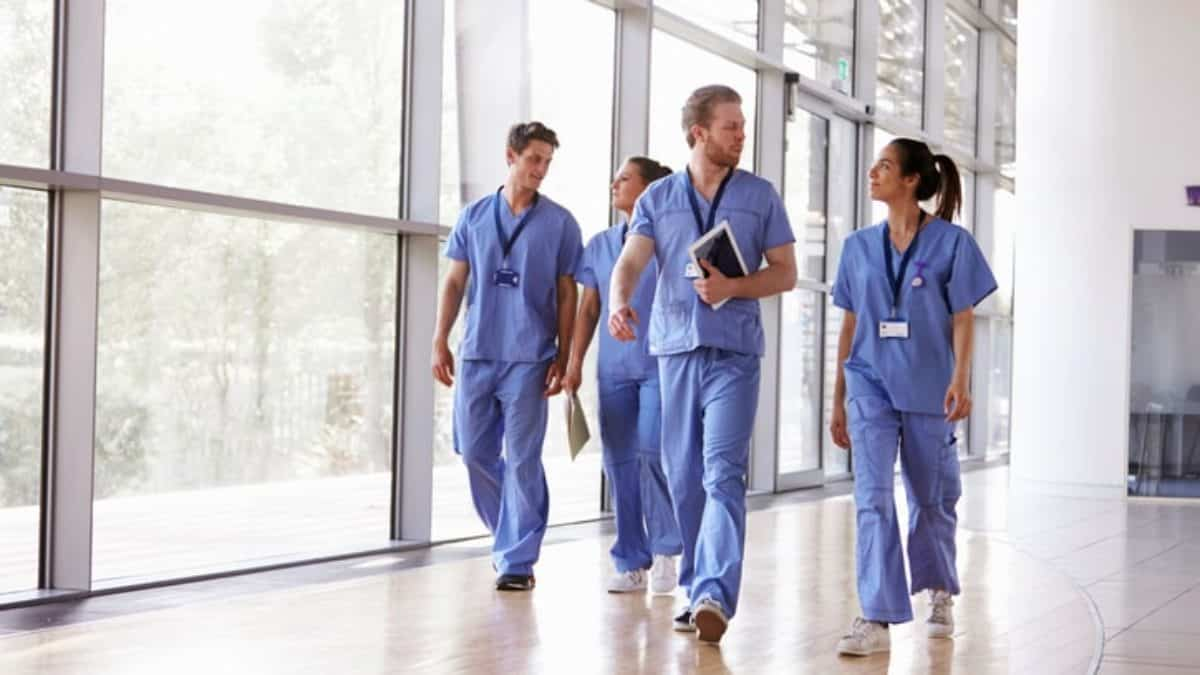 Necessary Requirements to Get a Nursing Job Abroad