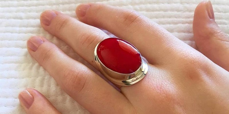 Ruby stone boost of self-confidence