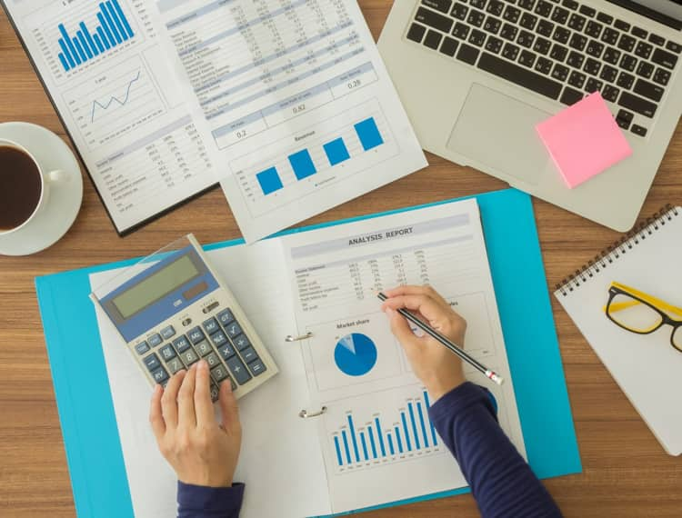 benefits of hiring large accounting firms