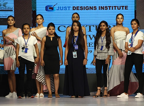 Why should the best modeling institute create awesome experience for young aspirants?