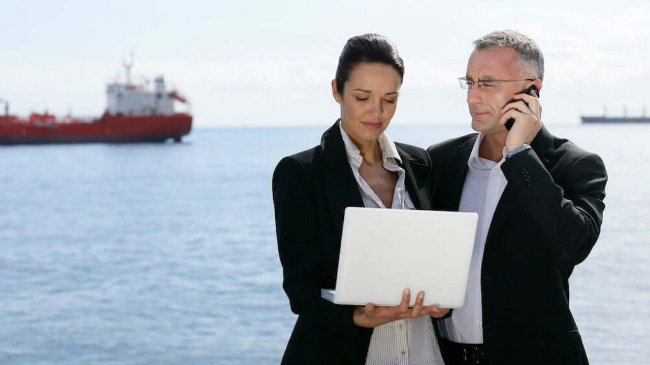 The Key Differences Between A Shipbroker And A  ship chartering