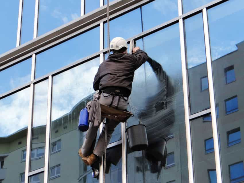 Exterior glass cleaning