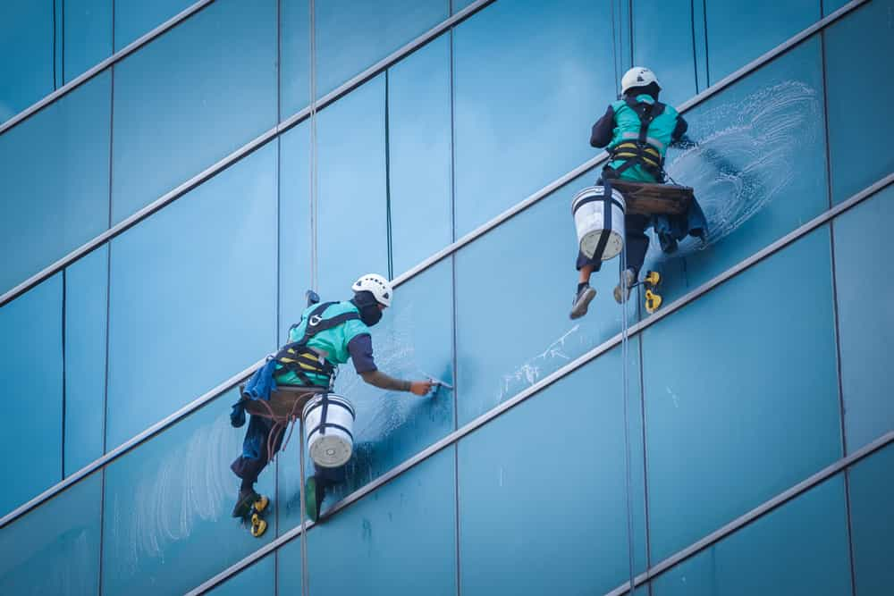 tips for cleaning the glass in office buildings
