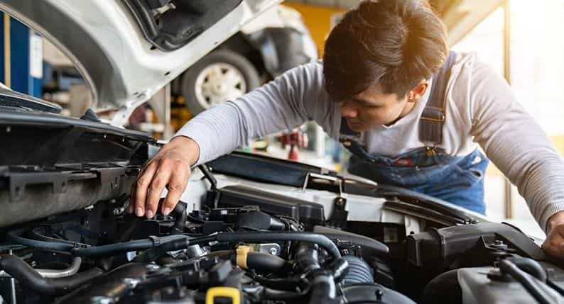Benefits of booking a doorstep car servicing Online