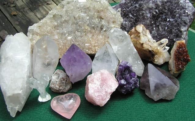 Mix up different types of quartz