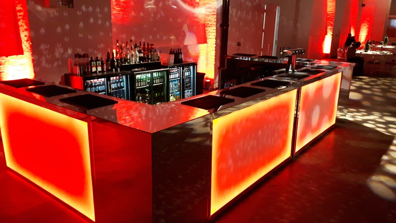 Discover the Different Services Provided by a Mobile Bar Hire Company
