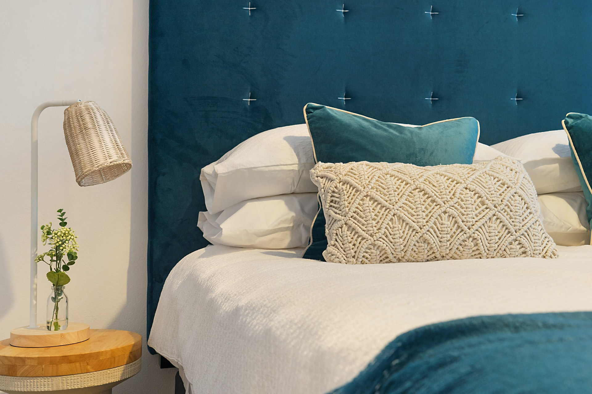 Are Luxury Bed Necessary For A Beautiful Home?