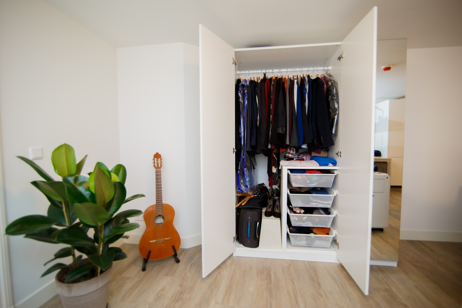 Clean Out Your Closet and Transform Your Wardrobe to Change Your Life