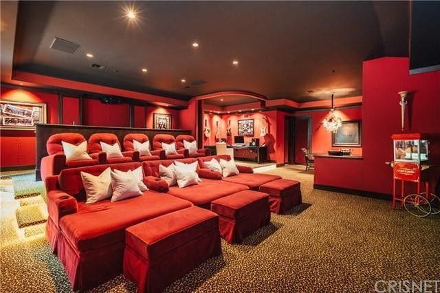 Nikki Sixx living room